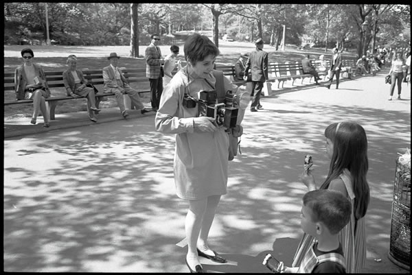 Diane Arbus photographing children in Central Park, by Tod Papageorge